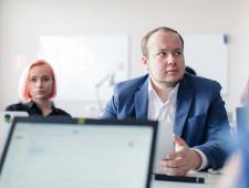Сотрудник Фонда борьбы с коррупцией подал в суд на Дмитрия Медведева