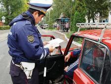 В МВД уточнили правила остановки автомобилей на дорогах для проверки документов - Логистика - TKS.RU