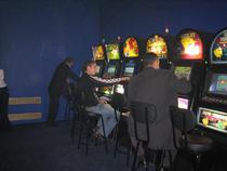 ФТС выявила незаконный ввоз в РФ более 5 тыс. игровых автоматов - Кримимнал - TKS.RU