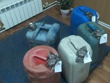 Курские таможенники задержали более 100 литров ядовитого спирта-денатурата - Кримимнал - TKS.RU