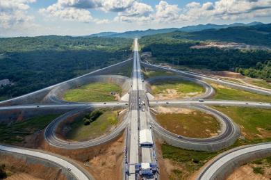 На автотрассе Артем – Находка открыт новый мост через реку Литовку