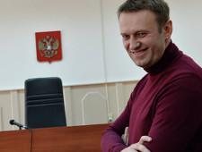 Навальный попросил вызвать Медведева в качестве свидетеля по иску Усманова