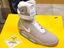 7c9c26b5 Nike выпустила 89 пар самошнурующихся кроссовок из фильма