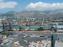 С начала года порт Новороссийск увеличил перевалку контейнеров на 25,7% - Логистика