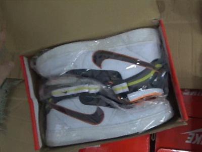 Челябинская таможня выявила 10 тысяч единиц контрафактной одежды - Криминал