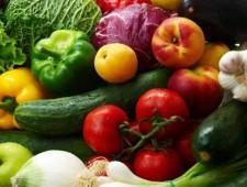 «Незаконные» фрукты, овощи и орехи задержаны в аэропорту Петербурга