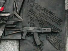 Скульптор Щербаков уберет с памятника Калашникову чертеж немецкой винтовки