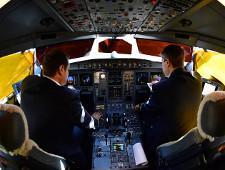 Росавиация запросила у авиакомпаний информацию о перешедших на работу за рубеж пилотах - Логистика - TKS.RU