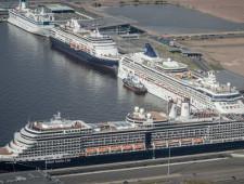 Петербургский порт Морской фасад в 2017 году ожидает рекордного пассажиропотока - Логистика