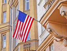 Россия лишила США посольской дачи и велела сократить количество дипломатов