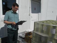 Более 2,7 тонн консервации из Польши не попали в таможенную декларацию