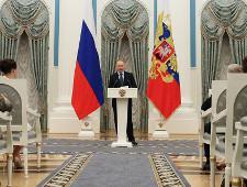 Владимир Путин пообещал разобраться с нарушением авторских прав