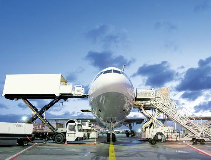 С 1 апреля авиаперевозчики обязаны будут подавать информацию о товарах до их ввоза на территорию ЕАЭС