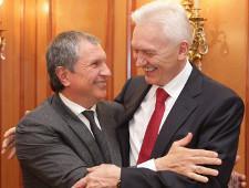 СФ освободил от декларирования доходов уплаты налогов россиян, попавших под санкции