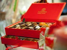 Минкомсвязь выступает против ограничения рекламы колбасы, шоколада и газировки на ТВ