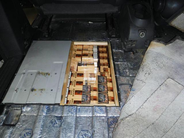 В Россию из Абхазии пытались незаконно ввезти 266 блоков сигарет - Криминал