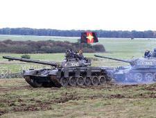 Маскарад на броне. НАТО вывело на учения советские танки
