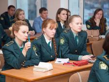 Cотрудники Оренбургской таможни и студенты-таможенники пообщались на равных