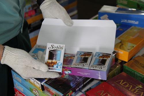 В Новосибирске таможенники изъяли из магазина 1,5 тонны нелегальных табачных изделий - Криминал