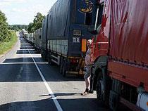 900 грузовиков стоят в пробке на российско-латвийской границе - Новости таможни - TKS.RU