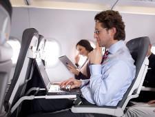 США не стали запрещать провозить ноутбуки в салоне самолета, но ужесточили проверки пассажиров