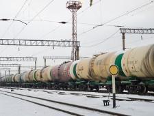 Перевозки нефти и нефтепродуктов все больше переориентируются с западного направления на Восток