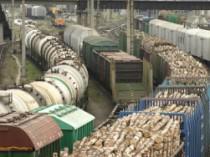 ...перевозок генеральных грузов по России и в страны СНГ на универсальных платформах и в полувагонах, грузов...