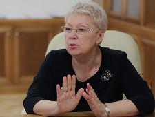 Возмутивший сенаторов учебник истории отправили на экспертизу из-за формулировок о Крыме