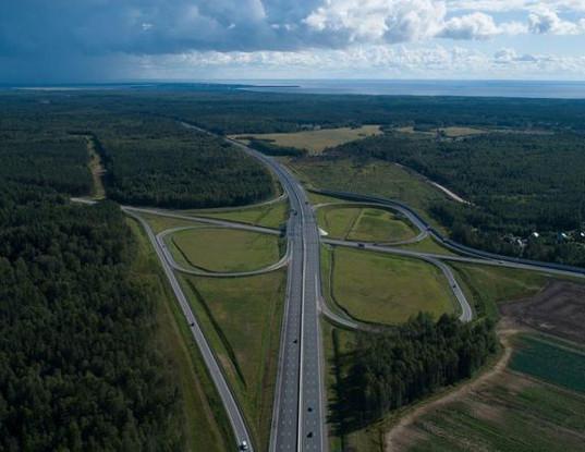 На трассе между Выборгом и Светогорском обрушилась скала. Движение к границе с Финляндией полностью перекрыто