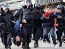 В Думе назвали оправданными массовые задержания в Москве на акции против коррупции