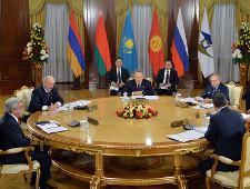 Бизнес отказался интегрироваться в Евразийский экономический союз - Обзор прессы - TKS.RU