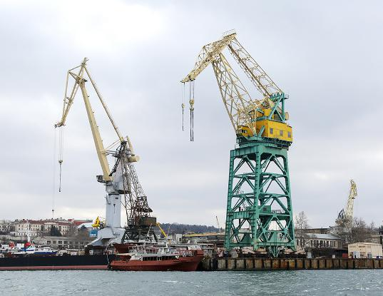 Принадлежавший Порошенко завод в Севастополе сделают базой для ремонта российских кораблей - Экономика и общество