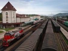 За четыре месяца 2017 г. объем перевозок через порты и погранпереходы составил 630 тыс. ДФЭ - Логистика - TKS.RU
