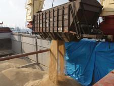 Кабмин готовит постановление о компенсации затрат на перевозку зерна к портам - Обзор прессы - TKS.RU