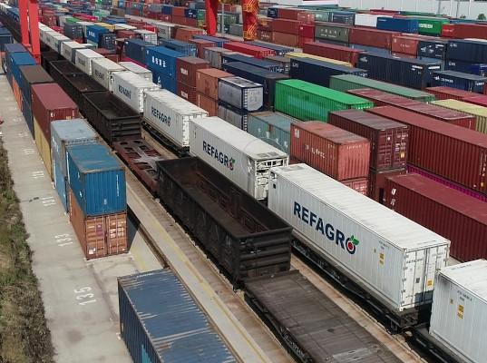 Рефрижераторный поезд доставил продукты питания из Циндао в Москву за 17 дней - Логистика