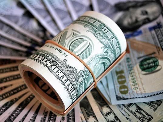 Физлиц обяжут документально подтверждать происхождение перемещаемых денежных средств свыше 100 тыс. $